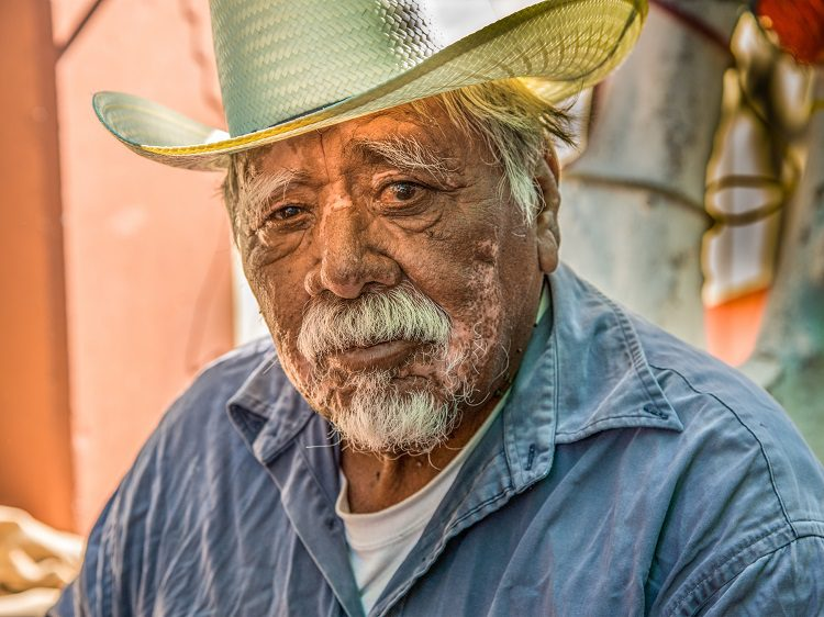 Mexican Last Names – Preserving their Heritage by Honoring both Mother and Father